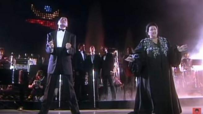 Freddie Mercury y Montserrat Caballé, en el mítico concierto de Barcelona en 1988.