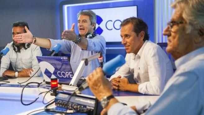 Vuelco en la radio deportiva: 'Tiempo de juego' de Cope supera en el EGM al  'Carrusel deportivo' de la Ser