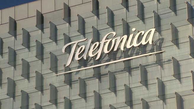 Telefónica gana un 56,2% menos en el primer trimestre