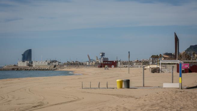 Base náutica de la playa del Bogatell, en Barcelona (España), a 7 de mayo de 2020.