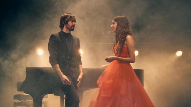 Ana Guerra y David Otero en el videoclip de 'Peter Pan'.