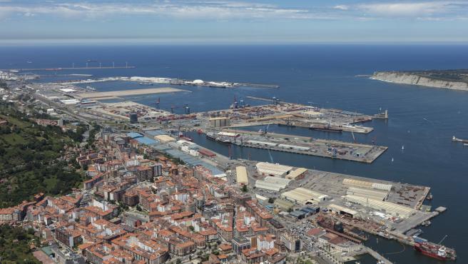 Un total de 19 tripulantes de un barco en cuarentena en Puerto de Bilbao tras dos posibles contagios por covid