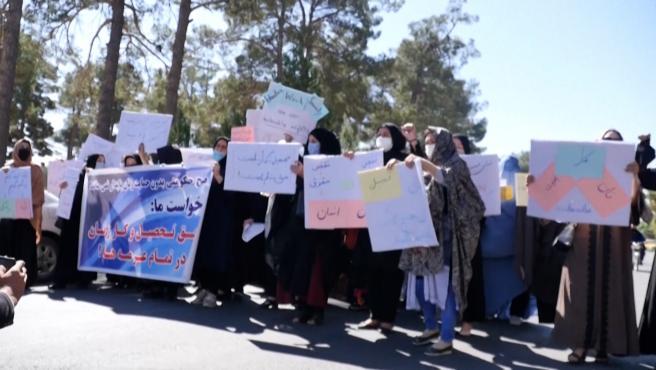 Mujeres afganas reclaman su derecho a trabajar en Afganistán