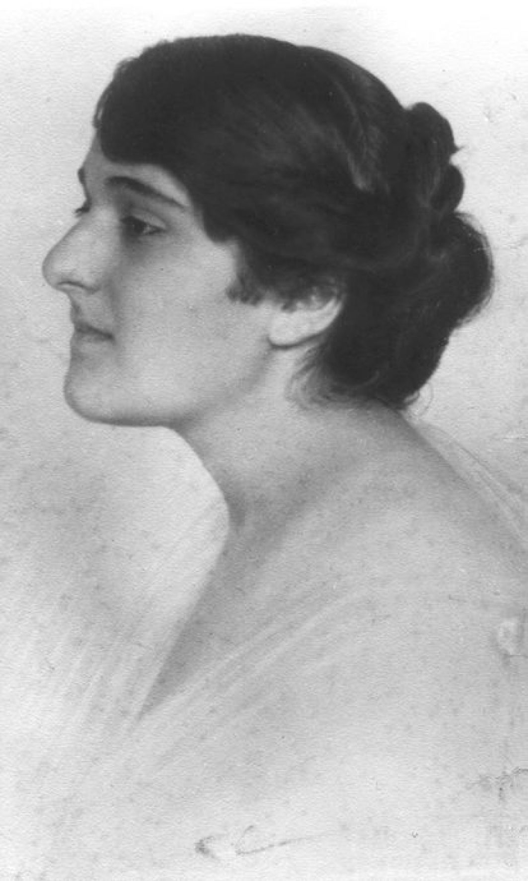 The writer Venetiana Taubner-Calderon (1897-1963), better known as Veza, married Elias Canetti in 1934.