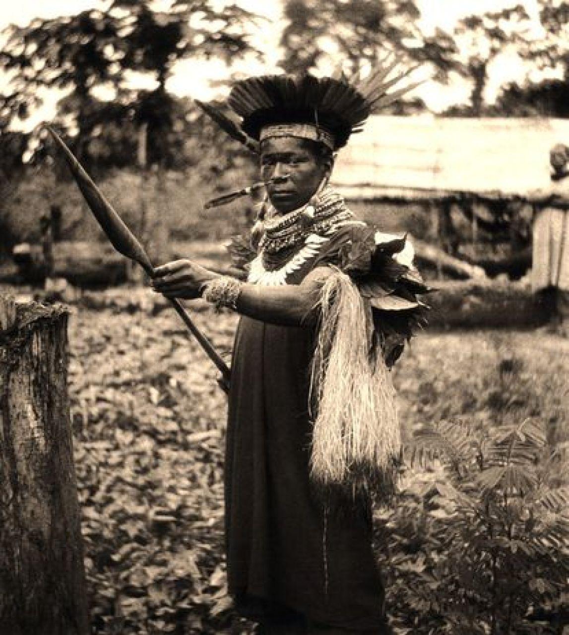 Cofán traditional doctor (Sucumbios river, Ecuador, 1942)