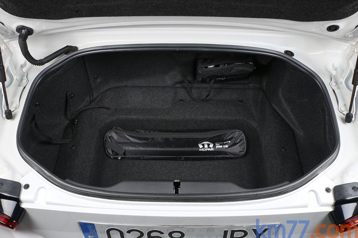 Fotos Interiores  Fiat 124 Spider 2016  km77com