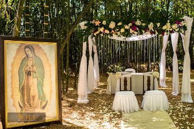 Decora el altar de tu boda al aire libre  Directorio de