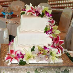 Tendencia en bodas Tortas con flores frescas  Directorio