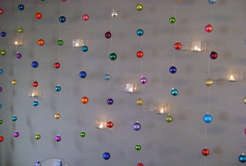 Guirnaldas con esferas de navidad  LaCelebracioncom