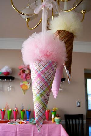 9 decoraciones con pompones de tul para tu fiesta
