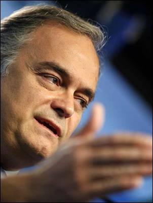 González Pons, en una rueda de prensa en Génova. MARTA JARA