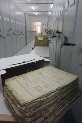 Una de las salas de depósito del Archivo General Militar de Madrid. - iguel G. Castro