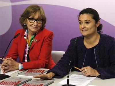 La secretaria de Estado de Igualdad, Laura Seara (d), acompañada de la presidenta de la Asociación para la Prevención y Reinserción de la Mujer Prostituida (APRAMP), Rocío Nieto. EFE