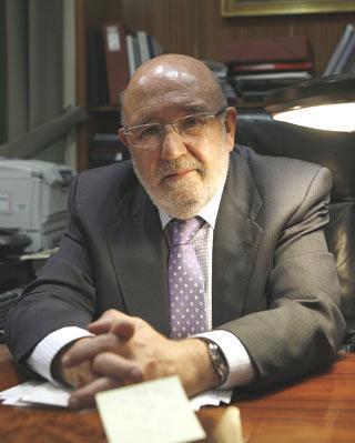 Fernández, ayer, en su despacho en Madrid - G. DEL RÍO