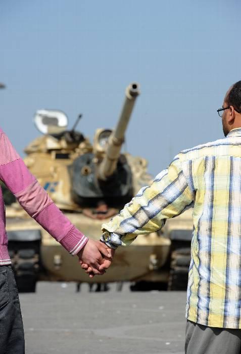 Tanques en la plaza. AFP PHOTO/MIGUEL MEDINA