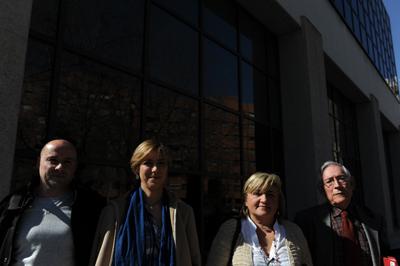 Los familiares de los republicanos enviados al Valle de los Caídos reunidos el pasado viernes en Madrid. - FERNANDO SÁNCHEZ