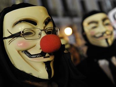 Miembros de Anonymous en la última entrega de los premios Goya. javier soriano