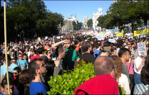 La calle Alcalá de Madrid, abarrotada.