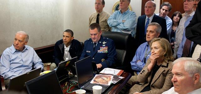 Obama y su gabinete más cercano observan como avanza la operación. PETE SOUZA