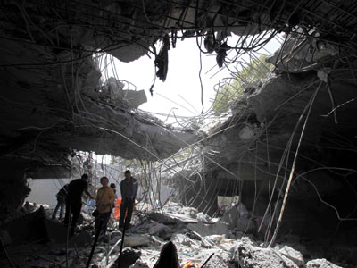 Ruinas de la vivienda de Gadafi bombardeada por la OTAN.