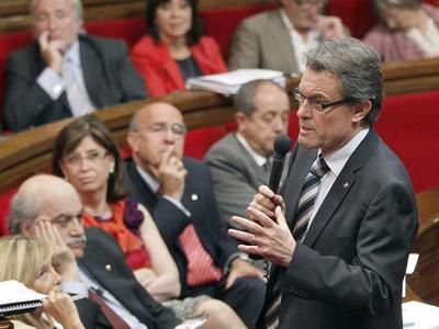 Mas anuncia más detenciones en el Parlamento. EFE