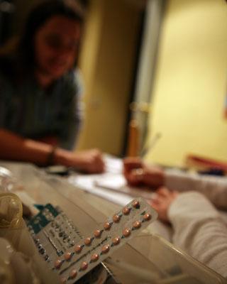 Una tableta de píldoras anticonceptivas.-