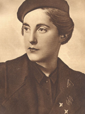 Retrato de Pilar Primo de Rivera incluido en la exposición 'Mujeres bajo sospecha. Memoria y sexualidad'