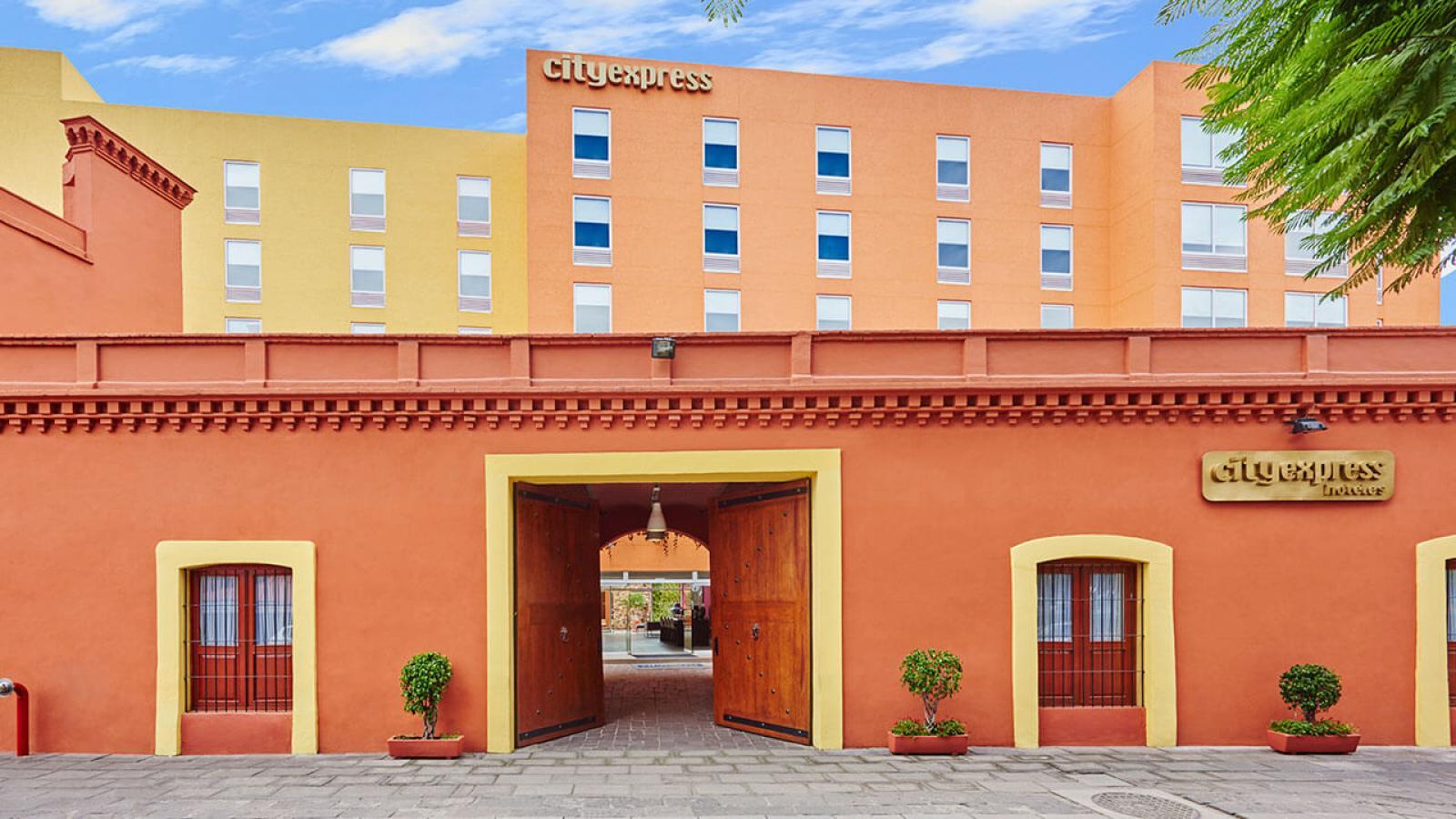 City Express Puebla Centro  City Express Hotels
