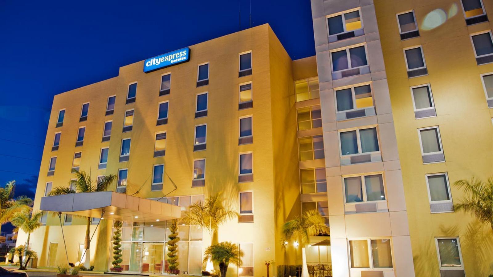 City Express Celaya Parque Hotels