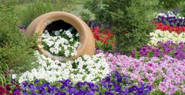 Fotos con ideas de decoracion para jardines con flores for Jardines grandes