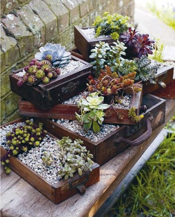 Ideas de cosas recicladas para decorar el jardin