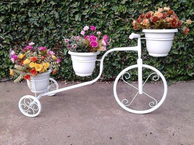 Ideas de decoracion del jardin con bicicleta reciclada