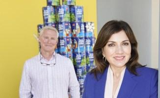 Ada Monzón visita Rovira Biscuit para despedir la temporada de huracanes 2020