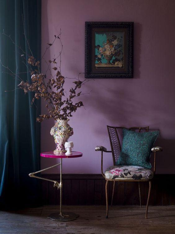 Cores frias e quentes: quarto violeta (foto: Pinterest)