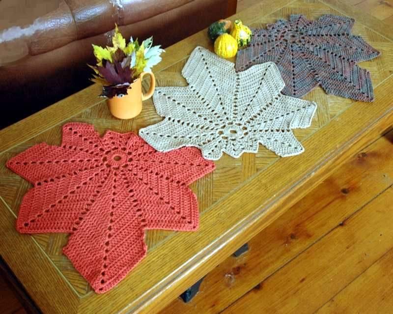 caminho de mesa de croche folhas coloridas