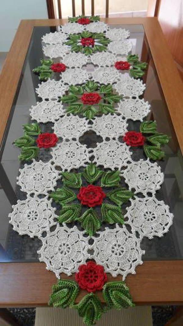 caminho de mesa de croche natalina