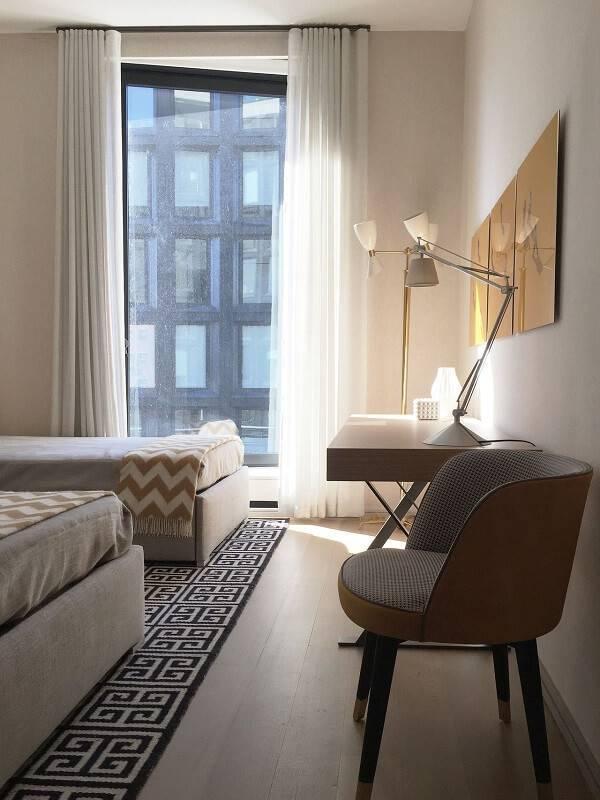 escrivaninha quarto neutro cama dupla kwartet 140429