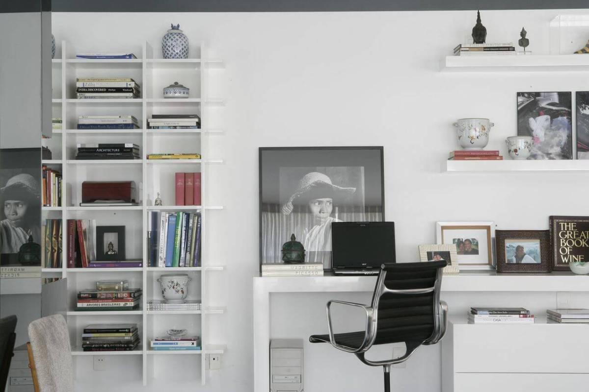 escrivaninha quarto neutro com estante amc arquitetura 89770