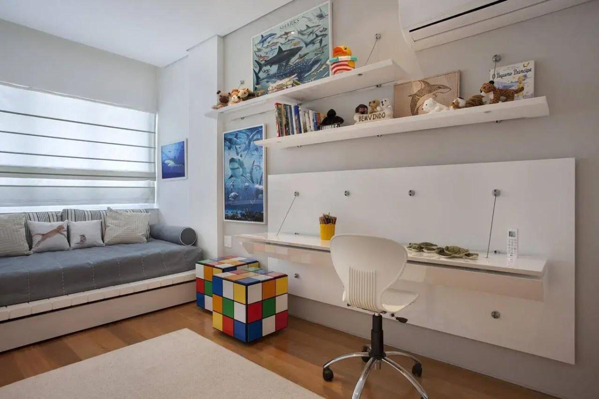 cadeiras quarto infantil branca plástico escala arquitetura 3127