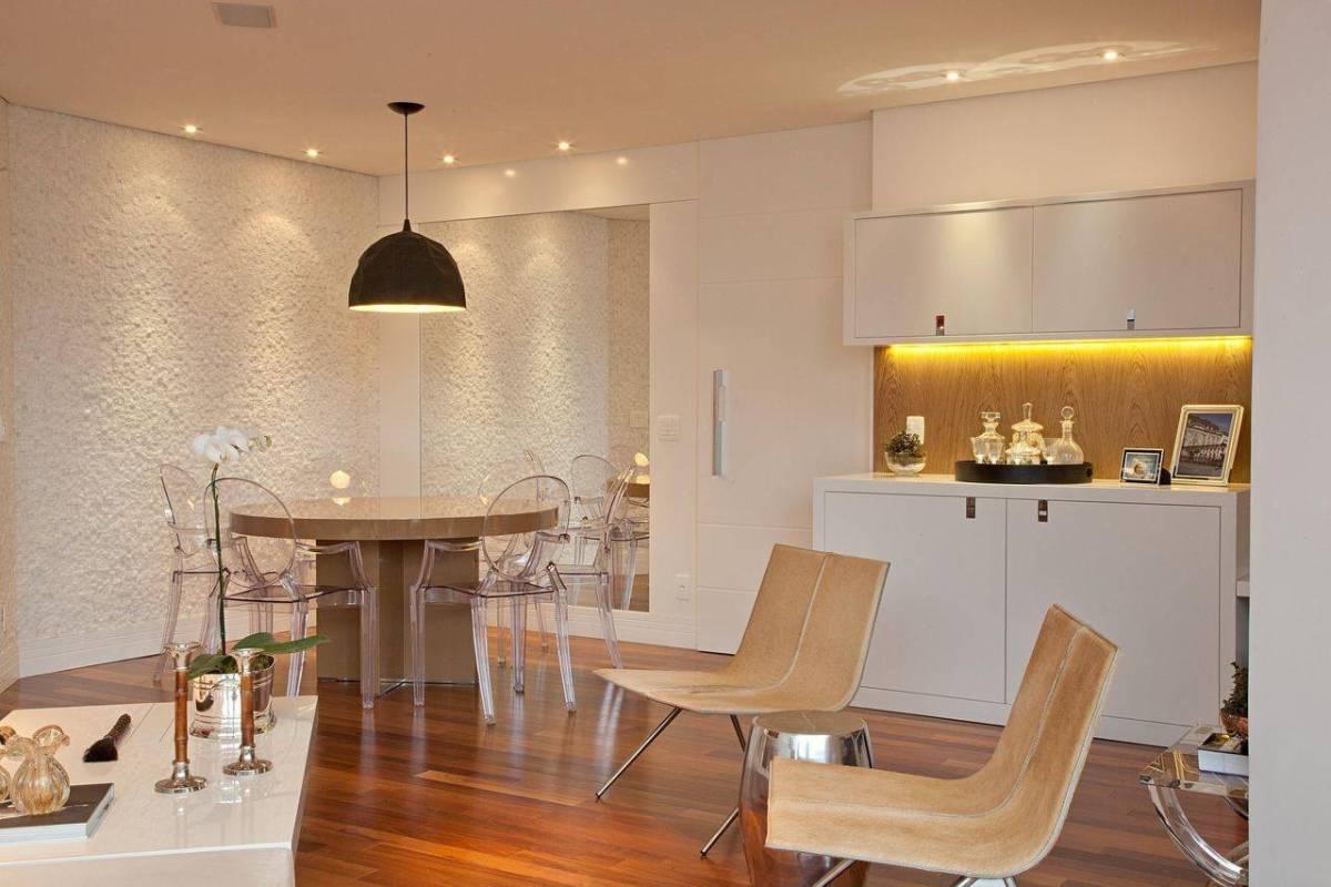 cadeiras sala de jantar acrilico transparente patricia kolanian