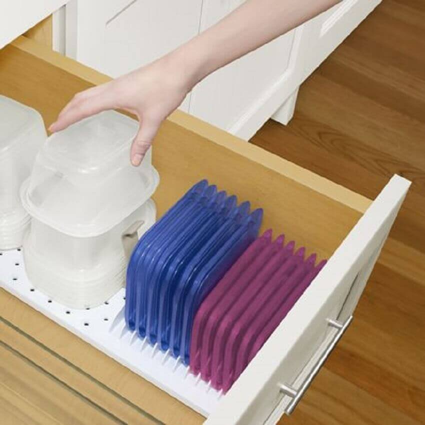 Como organizar potes plásticos