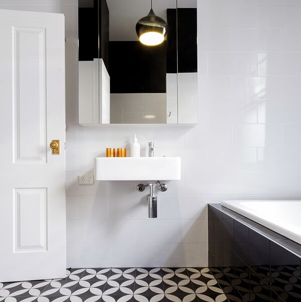 Small mirrored bathroom cabinets are excellent for compact environments