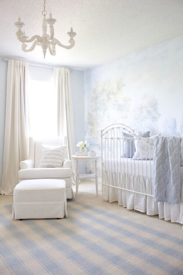 classic style white baby room furniture Foto Project Nursery