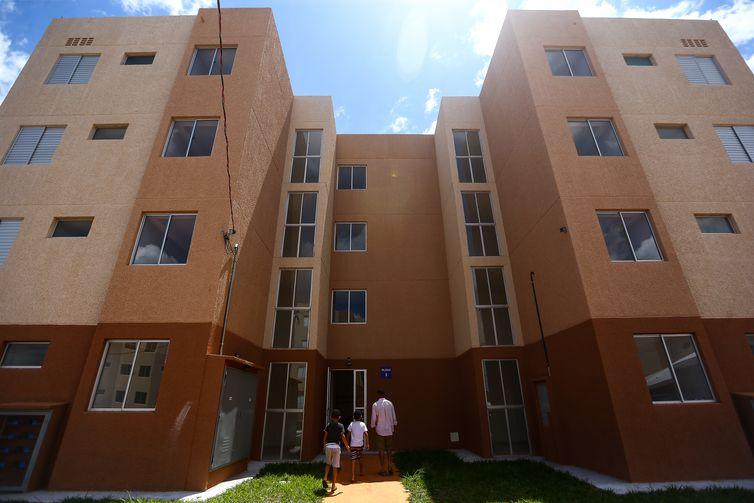 Entrega de 528 novas moradias do programa de habitação de interesse social do Governo Federal, em São Sebastião, Distrito Federal