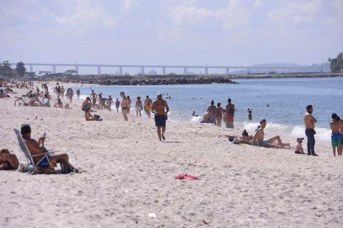 Fase 5 da flexibilização no Rio de Janeiro libera vendedores ambulantes nas praias