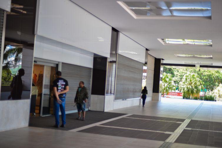 covid-19; novo coronavírus; GDF; fechamento de shoppings de Brasília