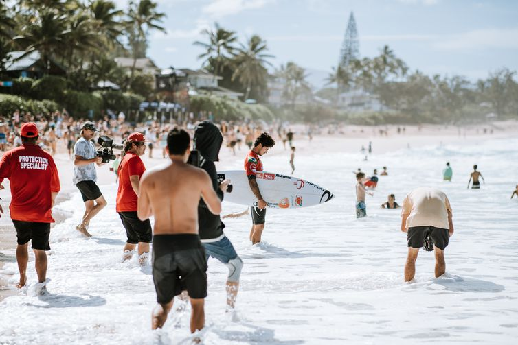 OAHU, UNITED STATES - DECEMBER 19: Two-time WSL Champion Gabriel Medina of Brazil advances to the semi finals of the 2019 Billabong Pipe Masters after winning Quarter Final Heat 3 at Pipeline on December 19, 2019 in Oahu, United States. (Photo