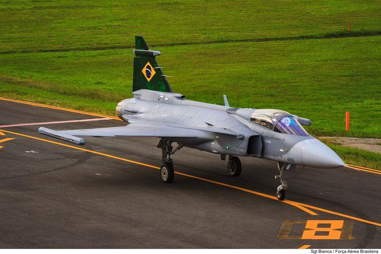 Comando da Aeronáutica apresenta novas aeronaves F-39E Gripen