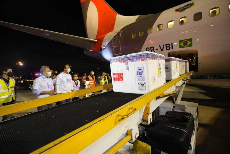 Ceará recebe o segundo lote de vacinas contra a Covid-19