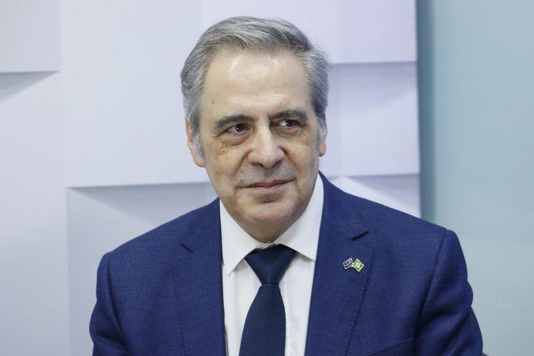 Carlos Oliveira, União Européia